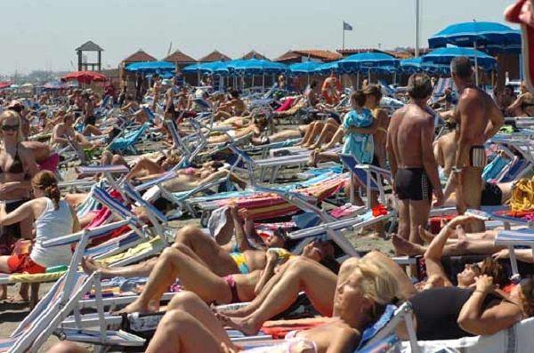 Cna Abruzzo, dati di luglio: 'Stagione balneare da incorniciare'