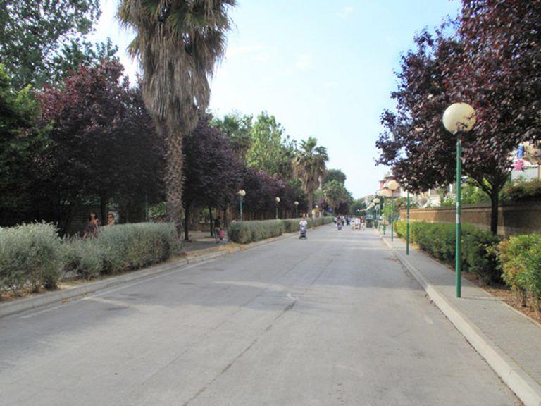 "Pescara, balneatori ""No ai parcheggi su strada parco"""