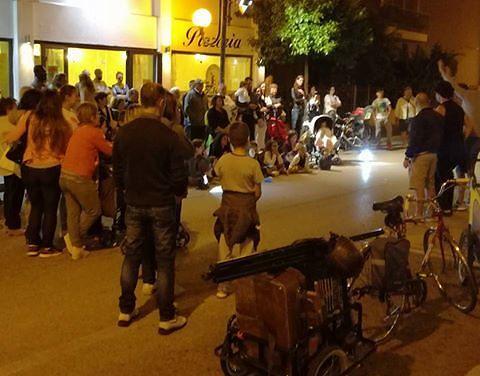 Alba Adriatica, Strada Facendo: mercatino non autorizzato, i vigili lo fanno chiudere