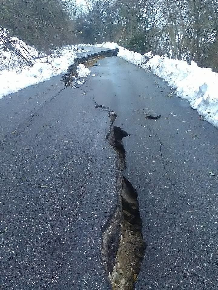 Maltempo Abruzzo, nel Teramano chiuse 18 strade provinciali: la situazione