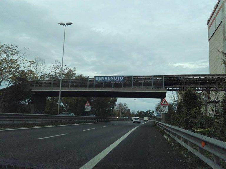 """Pescara: """"Striscioni e affissioni abusivi per la visita di Renzi"""" FOTO"""