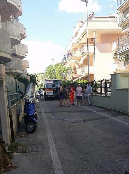 Tortoreto, turista si toglie la vita lasciandosi cadere dal balcone