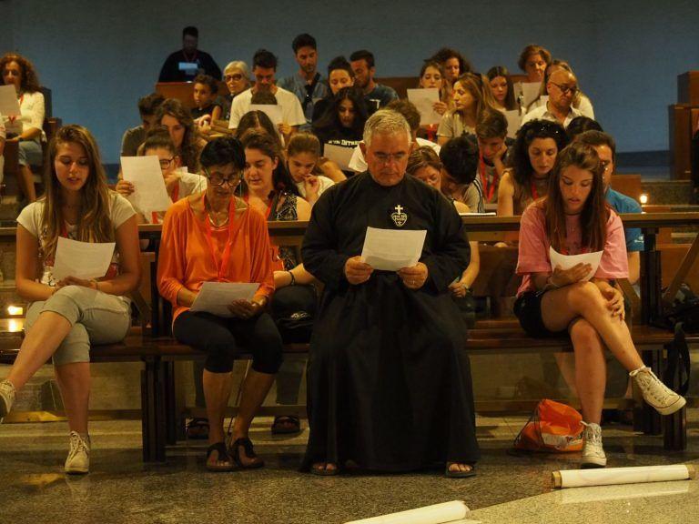 San Gabriele, alla Tendopoli si parla di cattolicesimo con il testo di Gabbani
