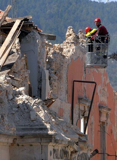 Ricostruzione L'Aquila, indagine su appalti truccati: denunciate 4 persone e 2 società