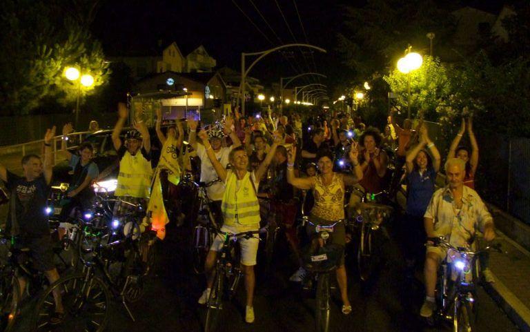 Pescara illuminata dalle biciclette