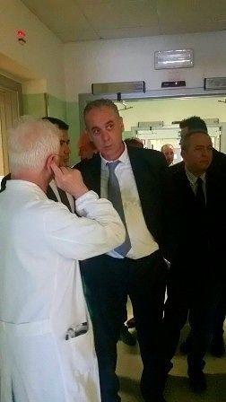 Ospedale di Chieti, visita a sorpresa di Legnini al Dipartimento Cuore
