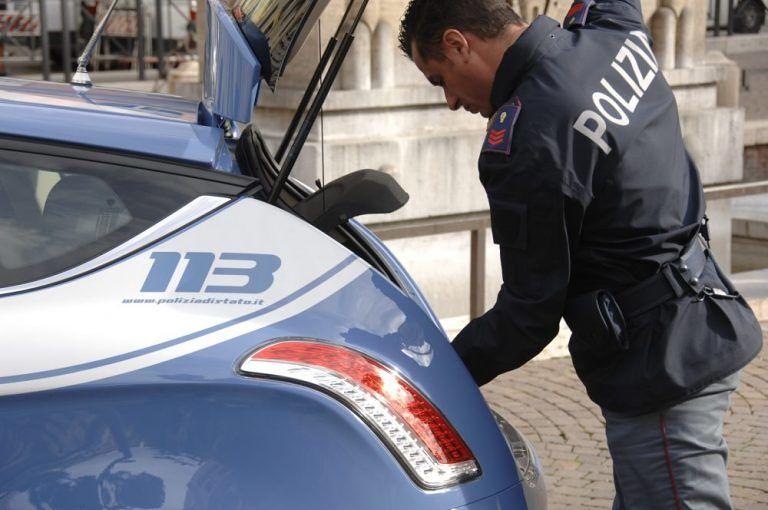 Martinsicuro, cocaina nascosta in casa: spacciatore in trappola