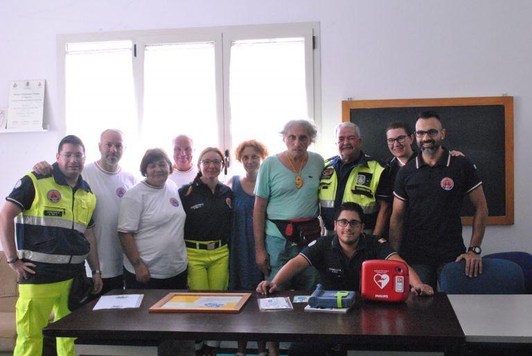 Silvi, poeta bolognese dona defibrillatore alla Protezione Civile FOTO