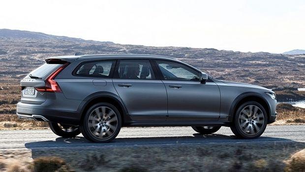 Volvo V90 Cross Country: la vera alternativa al Suv. Scoprila alla concessionaria Tribuzi | Alba Adriatica