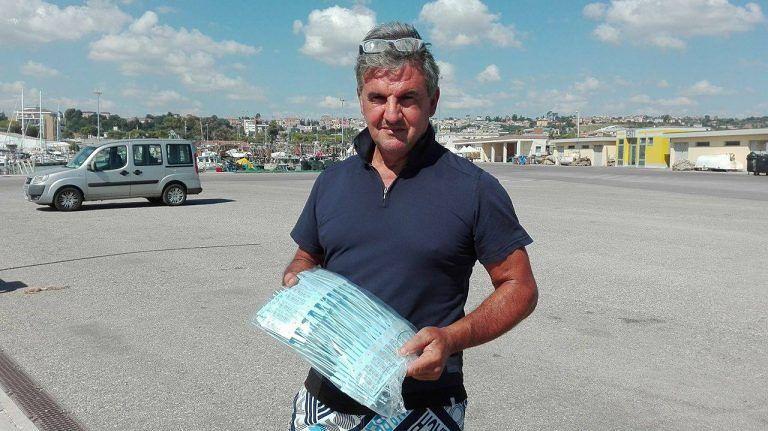Giulianova, vongolare in porto. Scatta il fermo tecnico per 100 imbarcazioni del Cogevo NOSTRA INTERVISTA