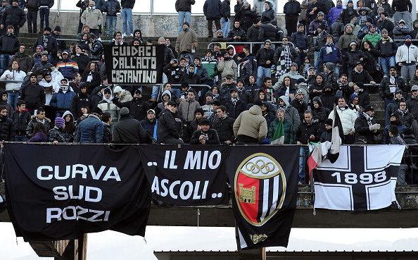 Pescara-Ascoli, derby caldo: curva Sud agli ospiti