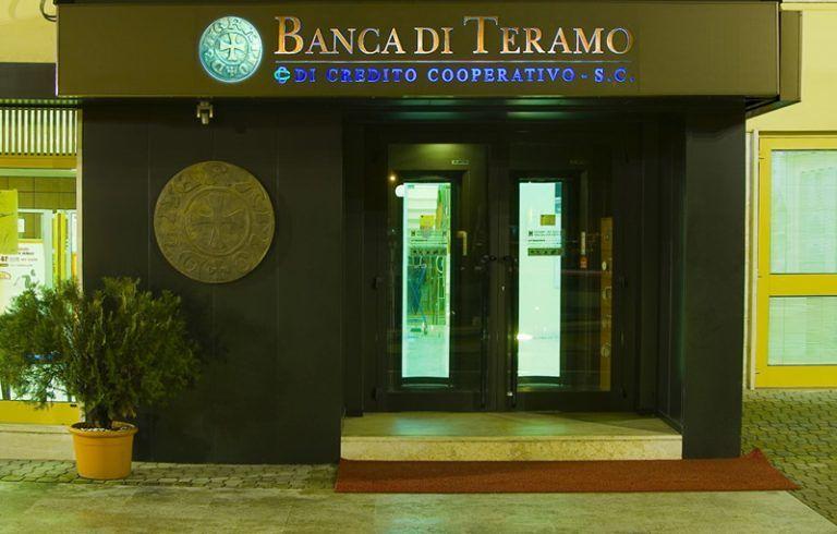 Banca di Teramo, si è dimesso il direttore generale De Flaviis