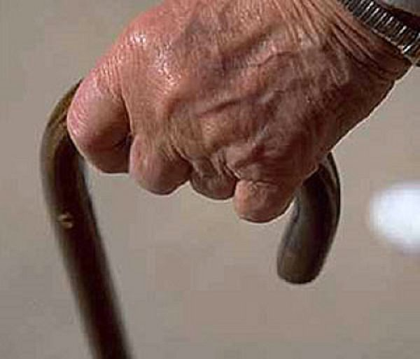 Coronavirus e solitudine, il Comune di San Salvo attiva il telefono amico per gli anziani