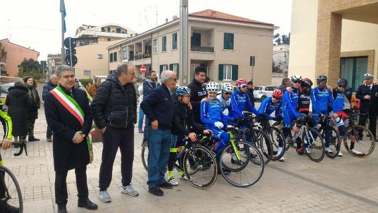 La biciclettata Roseto-Pineto conclude il ritiro della Nazionale Paralimpica: Alex Zanardi