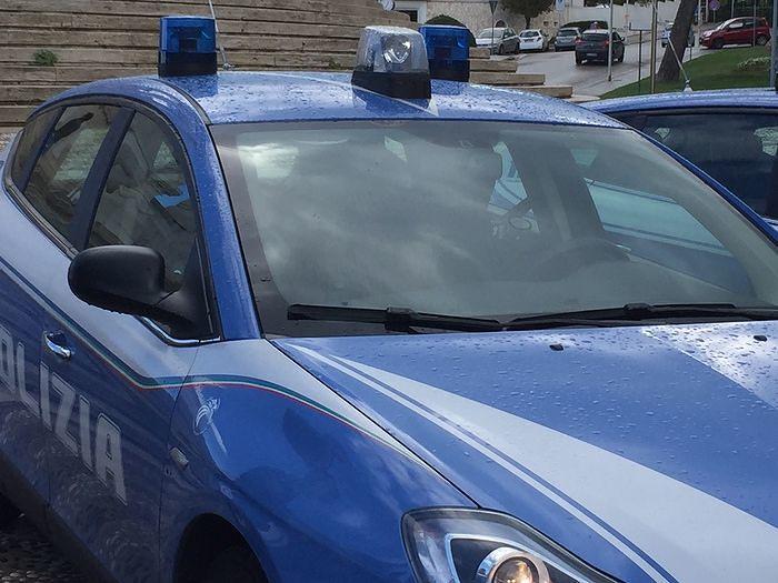 Ricercato per rapina a Pescara, arrestato a Torino: in auto ha la maglia di Lapadula