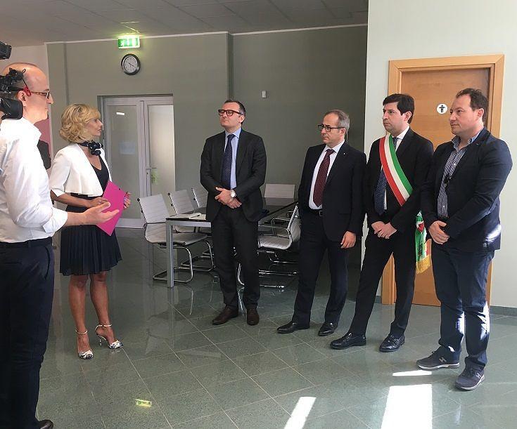 Campli, il sottosegretario Zanetti visita azienda a Villa Camera