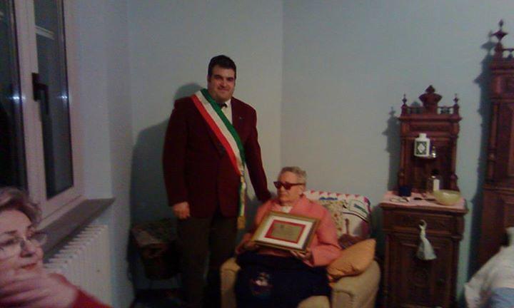 Ancarano, nonna Irma festeggia 100 anni