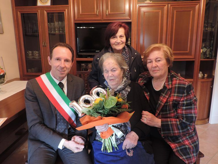 Nereto celebra i 100 anni di nonna Palma Rosa