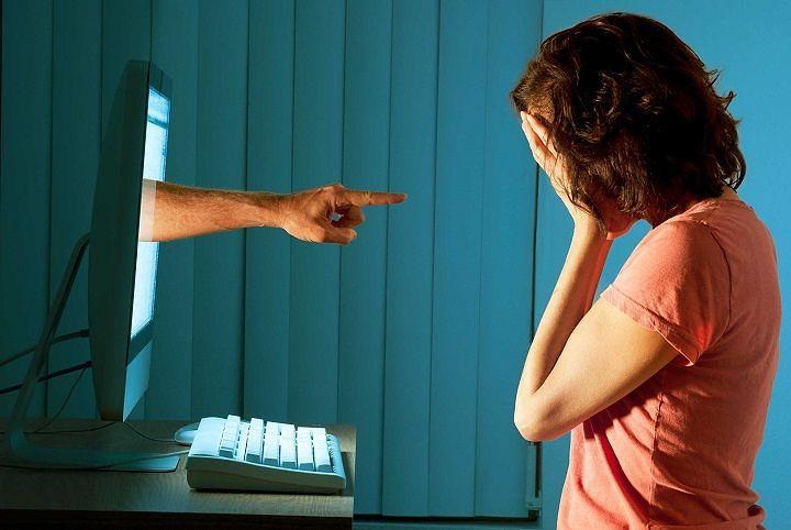 Abruzzo, Bracco chiede istituzione della giornata per la lotta al cyberbullismo