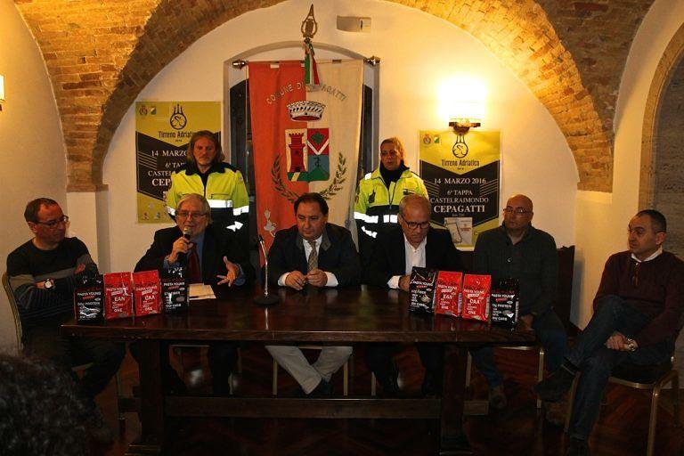 Cepagatti, la gara di ciclismo 'Tirreno-Adriatico' fa tappa in città