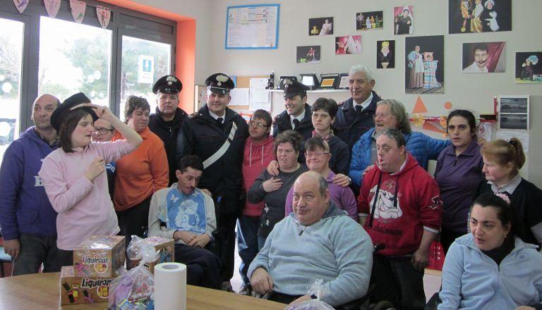 Roseto, carabinieri visitano l'associazione Dimensione Volontario