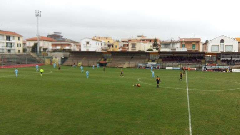 Promozione, Calcio Giulianova-Controguerra 0-3: Pietrucci e Addazii sbancano il Fadini