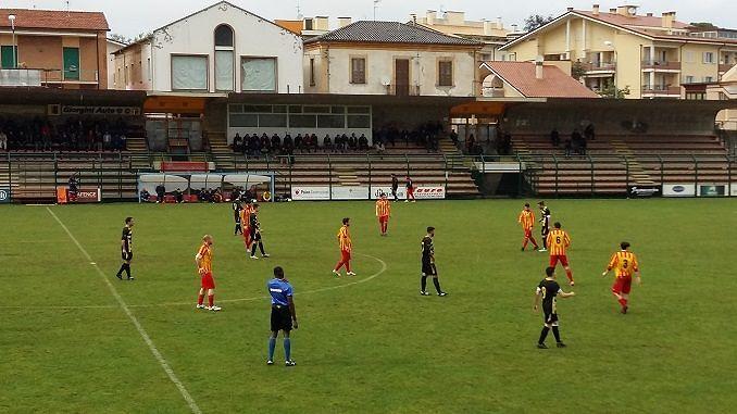 Promozione, Calcio Giulianova-Pontevomano 2-2: giallorossi rimontano due volte