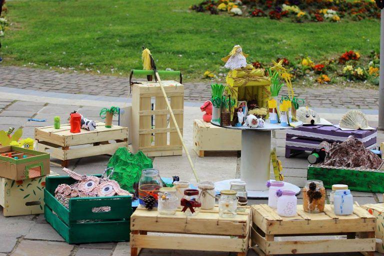 Montesilvano, 'Giochiamo col riciclo': gli oggetti realizzati dai bambini