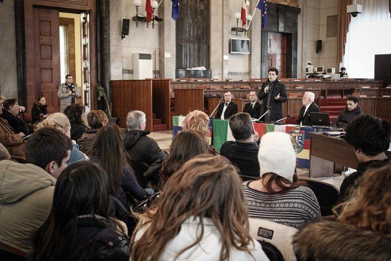 Pescara, gli studenti in Comune per commemorare le vittime delle Foibe