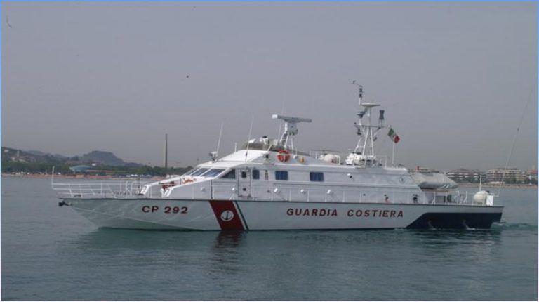 Pescara, rientrata dalla missione in Grecia la motovedetta della Capitaneria di porto