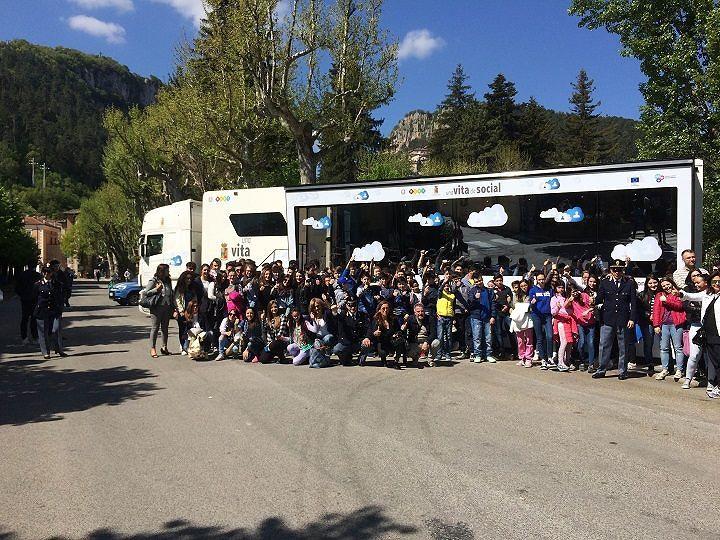 Tagliacozzo, il tour di 'Una vita da social' fa tappa all'Istituto Argoli