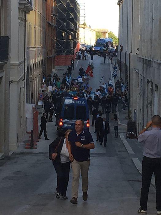 L'Aquila, manifestarono durante visita di Renzi: denunciati rappresentanti No Ombrina