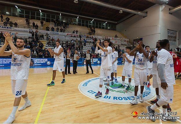 Ravenna sconfitta 85-70, Roseto archivia i play-off