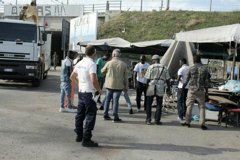 Pescara, imminente lo sgombero del mercato etnico della stazione
