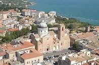 Ciccotelli: 'Il vino trascina l'export e l'Abruzzo, ma ad Ortona chiude l'Enoteca regionale'