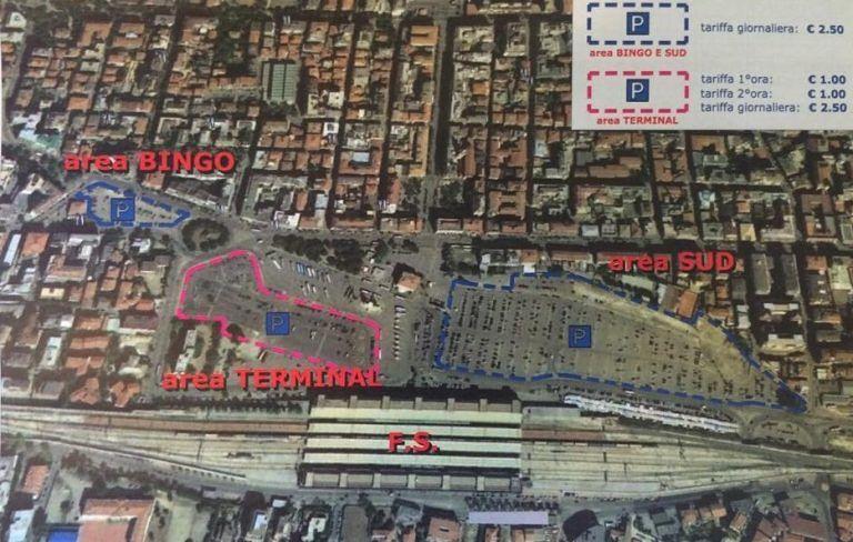 Pescara, nuove tariffe per il parcheggio a pagamento. In piazza Primo Maggio pagano anche i residenti