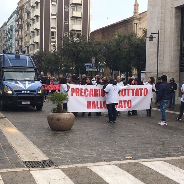 Corteo dei precari Attiva ed Asl Avezzano: 'Vogliamo certezze'