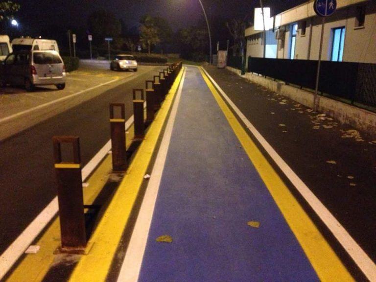 Alba Adriatica, pista ciclabile: tutte le anomalie nel tratto davanti alla Bambinopoli