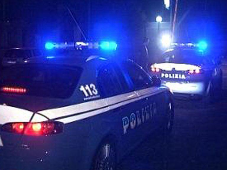 Caccia all'uomo a Pescara: inseguimenti e scontri tra il centro e la spiaggia