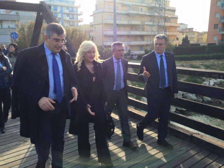 Ponte ciclabile sul Vibrata: 400mila euro ai Comuni per il rifacimento