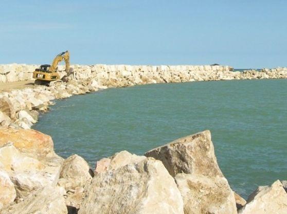 Giulianova, messa in sicurezza del nuovo molo: lavori ancora fermi