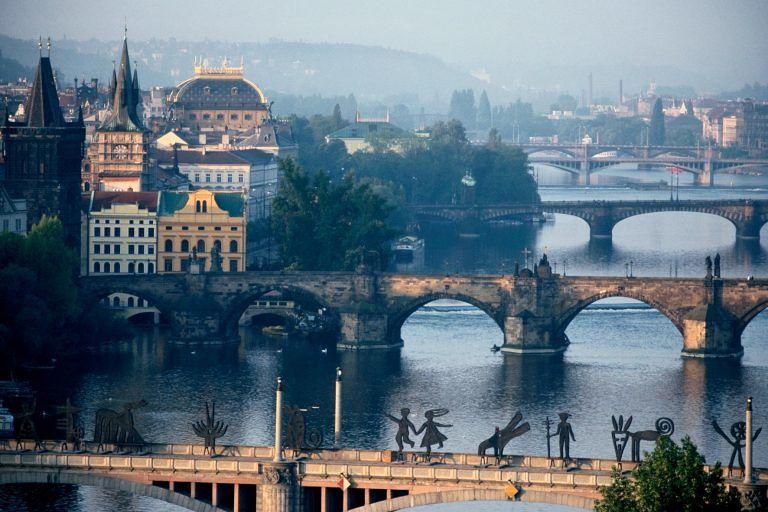 Alba Adriatica, investito da un taxi a Praga: avvocato in coma
