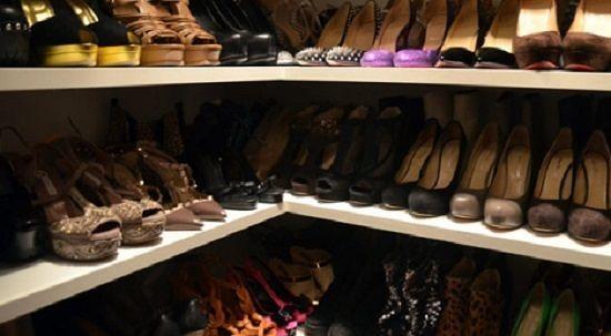L'Aquila, ruba scarpe in un negozio del centro: denunciata 65enne