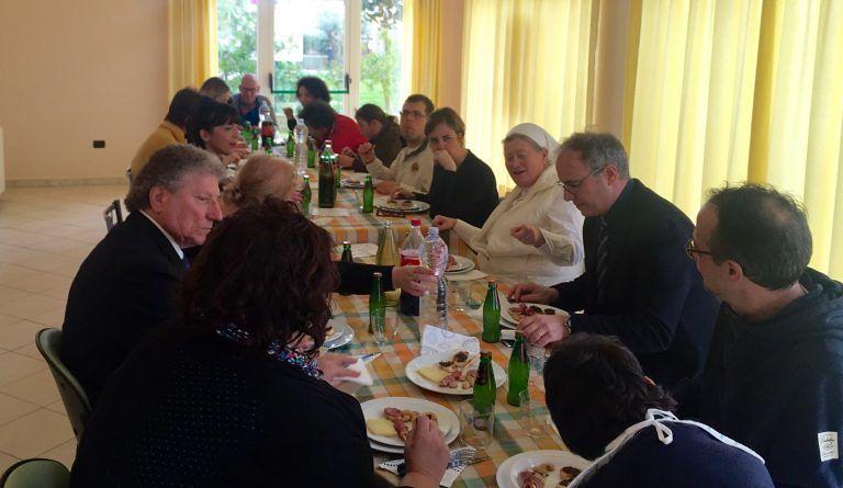 Pineto, l'assessore Marinella Sclocco in visita a Casa Cara di Scerne