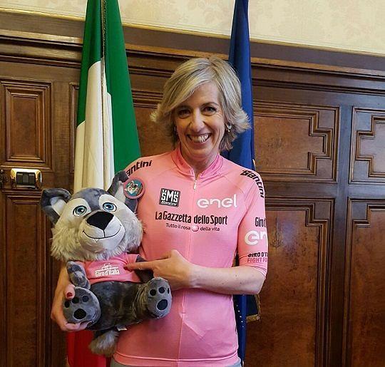Il Ministro dell'Istruzione Stefania Giannini lancia Biciscuola 2016