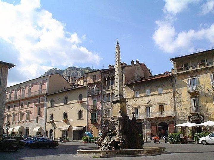 Aggressione omofoba a Tagliacozzo, il sindaco: 'Sono senza parole'