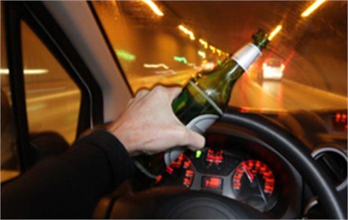 L'Aquila, sbanda sotto effetto dell'alcol: ritiro patente e denuncia per un 18enne