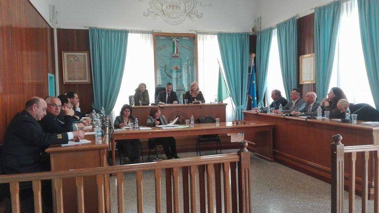 Alba Adriatica, vertice sulla sicurezza. Lotta al commercio abusivo