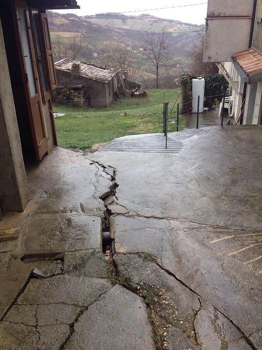 Frana Villa Celiera, prosegue l'emergenza: evacuate 2 abitazioni