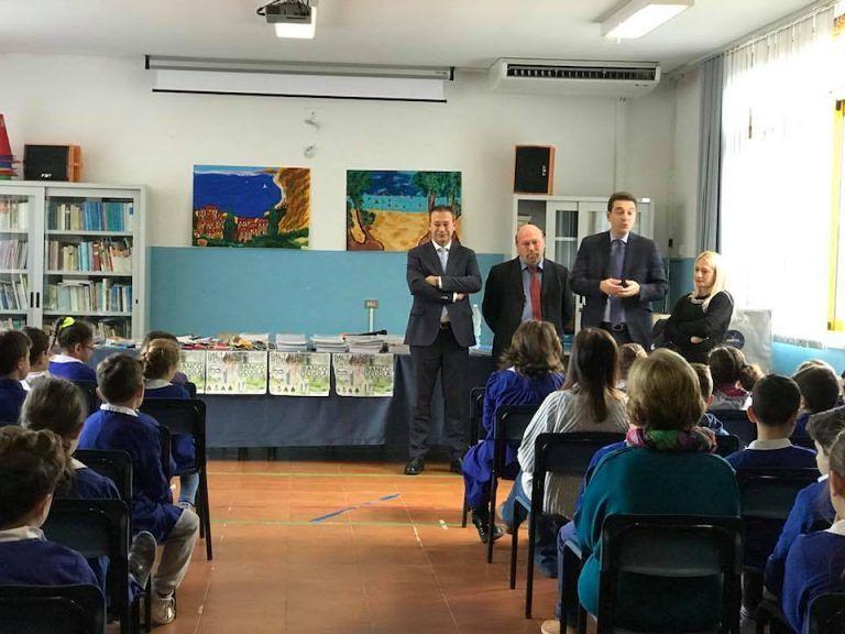 Montesilvano, consegnato il materiale didattico del progetto Banco Scuola